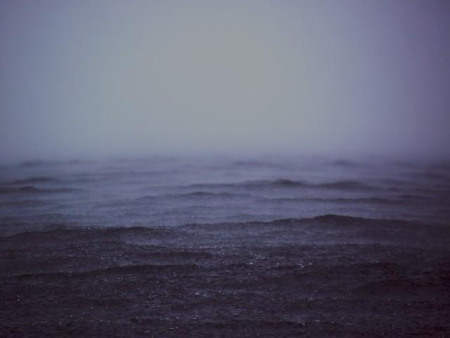 dark-lake-ocean-724-733x550