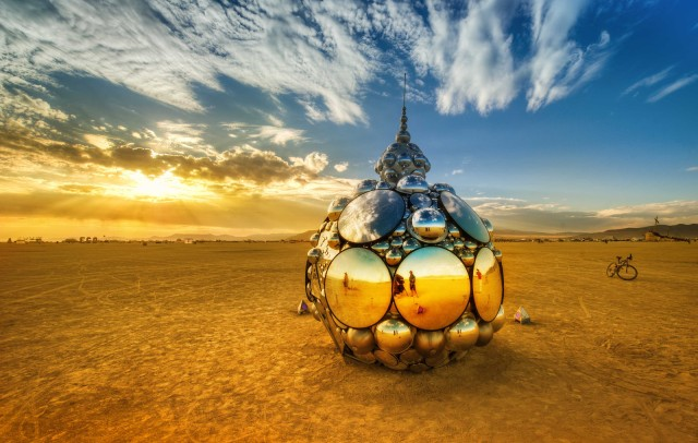 trey-ratcliff-domes-in-playa-burning-man-X3